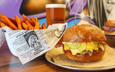 Say g'day to some delicious burgers from Hello Harry at Portside – The Weekend Edition